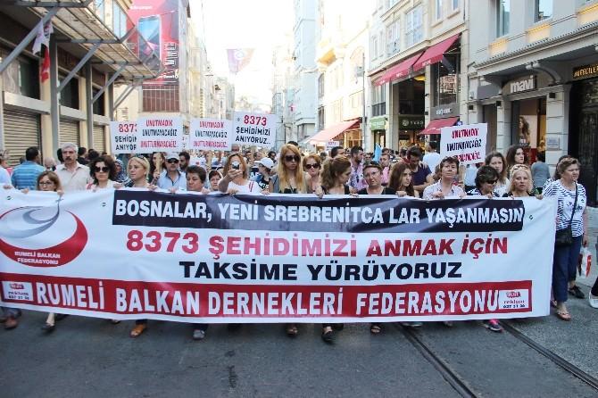 Beyoğlu'nda Srebrenitsa Soykırımı Yürüyüşü