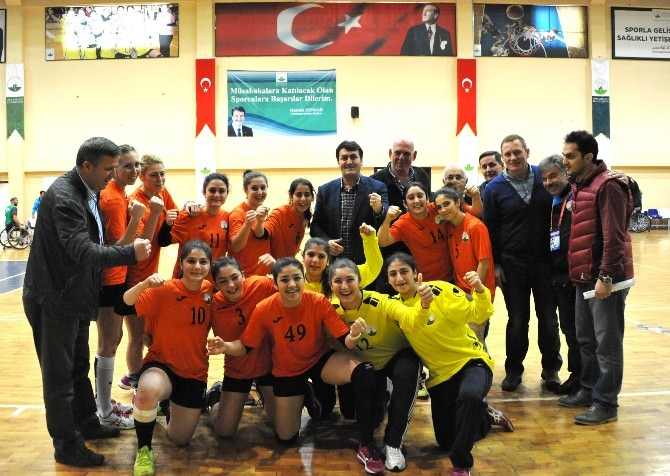 Osmangazili Bayanlar 'Süper' Ligde