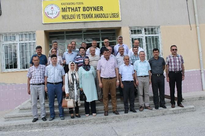 Tosya'da Okul Müdürlerine Yöneticilik Sertifikası Verildi