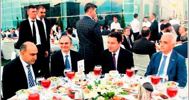 MÜSİAD: Siyasiler masaya samimiyetle oturmalıdır
