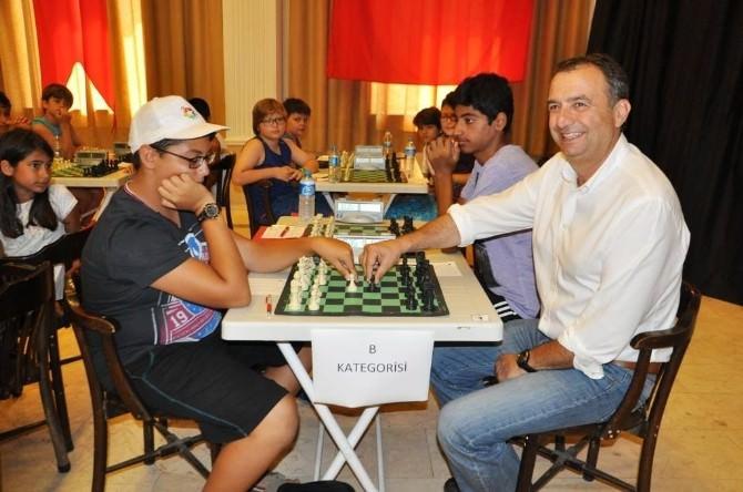 Ayvalık Yaz Satranç Turnuvası Start Aldı