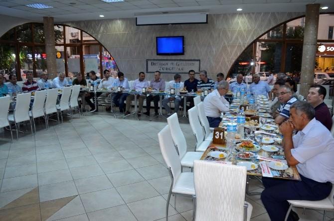 Turgutlu Belediyesi'nden Kaymakam'a Veda İftarı