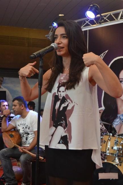Kayseri'de Öykü Gürman Konseri