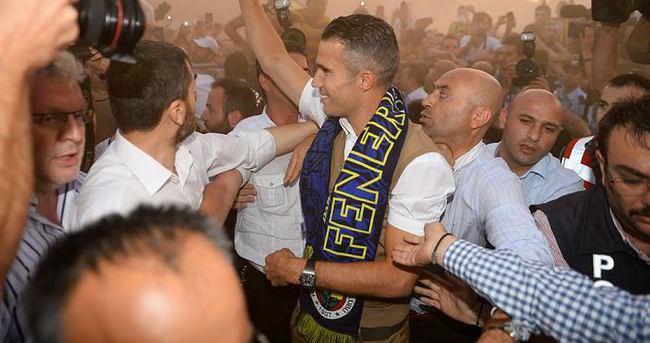 İstanbul'da Van Persie çılgınlığı