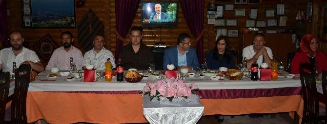 AK Parti Basın Mensupları İle İftarda Bir Araya Geldi