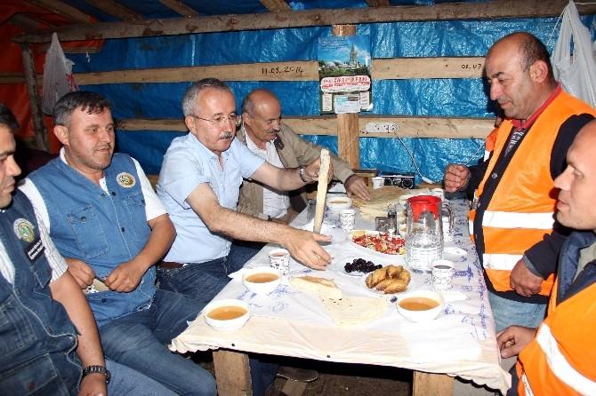 (Özel Haber) Milletvekili Kahveci, Orman İşçileri İle Bin 800 Rakımlı Tepede İftar Yaptı