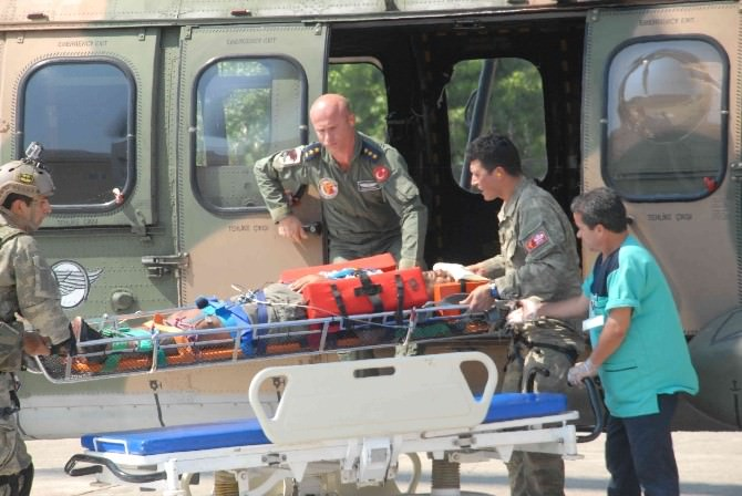 Kelebekler Vadisi'nde Askeri Helikopterli Kurtarma Operasyonu