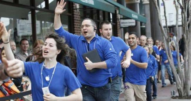 Apple, Yunanistan'a yardım eli uzattı!