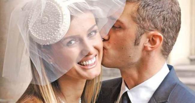 Tuğba Özay'ın annesinden biten evlilikle ilgili açıklama