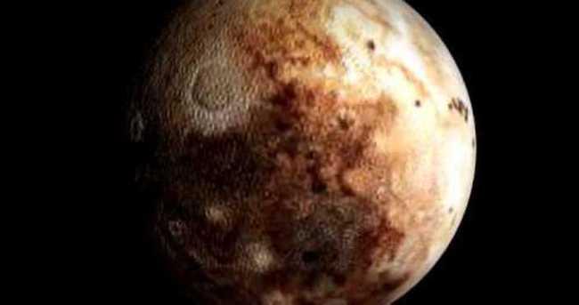 New Horizons Uydusu'nun cüce gezegen Plüton'a uçuşu