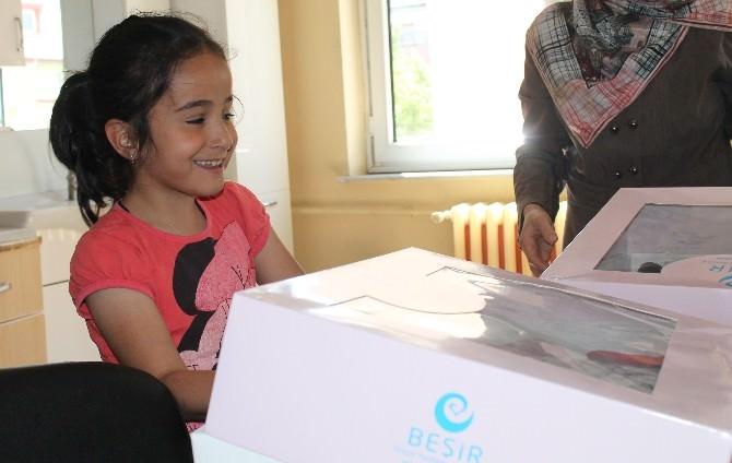 Beşir Derneği Bayburt Gönüllülerinden Giyim Paketi Yardımı