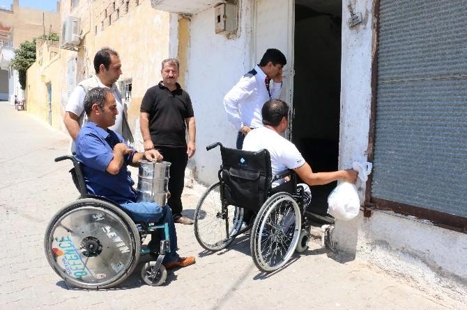 Ortopedik Engelliler Derneği Evlere Yemek İkramına Eşlik Etti
