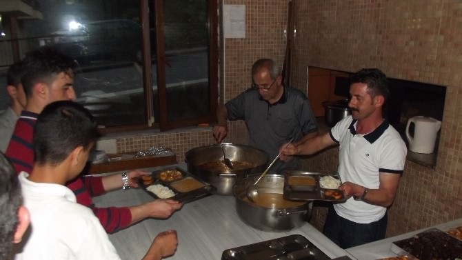 Küre Devlet Hastanesi İftar Yemeği Verdi, Mevlit Okuttu