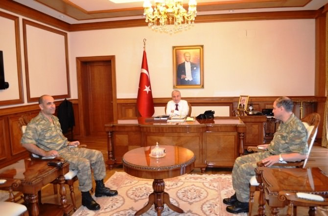 Albay Yılmaz, Vali Kamçı'yı Ziyaret Etti