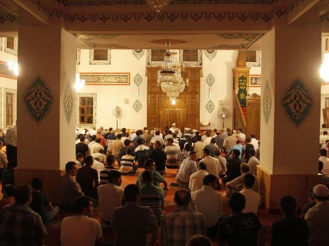 Safranbolulular Camilere Akın Etti