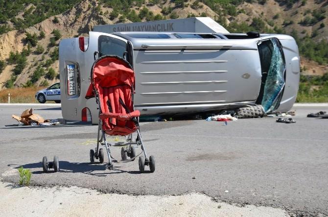 Sivas'ta Minibüs Devrildi: 8 Yaralı