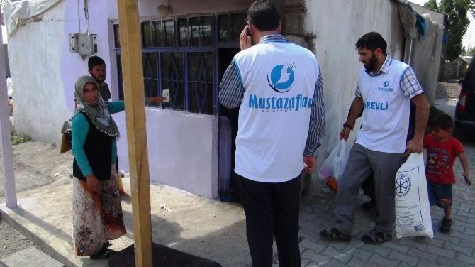 Evi Yanan Aileye Mustazaflar Cemiyeti'nden Yardım