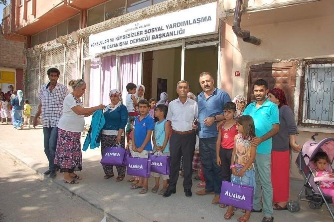 İhtiyaç Sahibi 200 Aileye Yardım Yapıldı