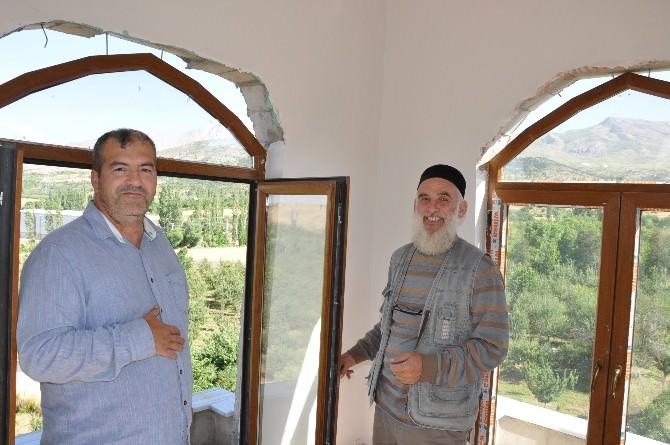 Çardak'taki Çeçen Kulesi İlgi Odağı Oldu