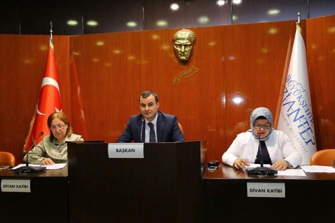 Gaziantep'te Yeni Bina Yapanlar 10 Adet Ağaç Dikecek