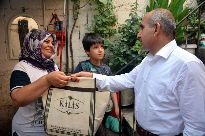 Kilis Belediyesi'nden Fakir Ailelere Gıda Yardımı