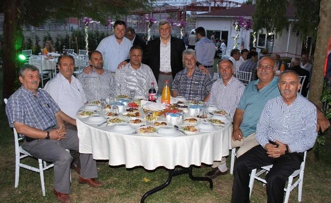 Başkan Karaosmanoğlu'ndan Meclis Üyelerine İftar