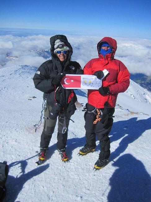Kuşadalı Sporcular Elbruz Dağı'nda