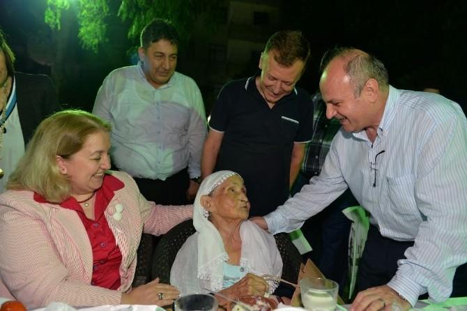 Vali Çakacak, Huzurevinde Kalan Yaşlılarla İftarda Bir Araya Geldi