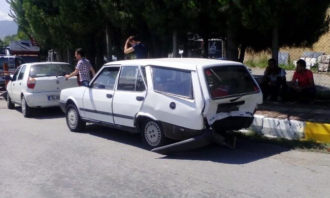 Çaycuma'da Trafik Kazası: 2'si Çocuk 8 Yaralı