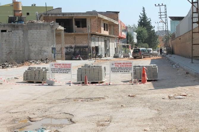 Reyhanlı'da Yollar Parke Taşı İle Kaplanıyor