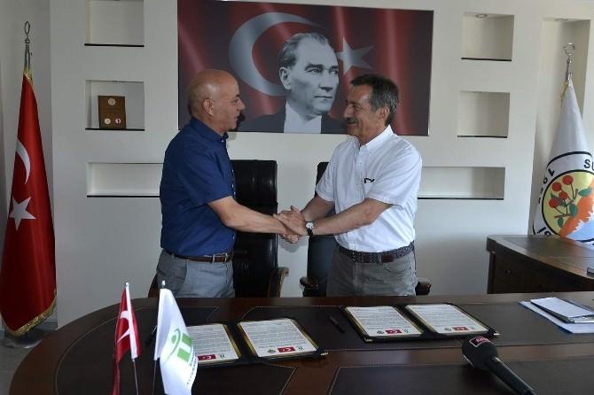 Tepebaşı Kardeş Belediyeleri İle Protokol İmzaladı