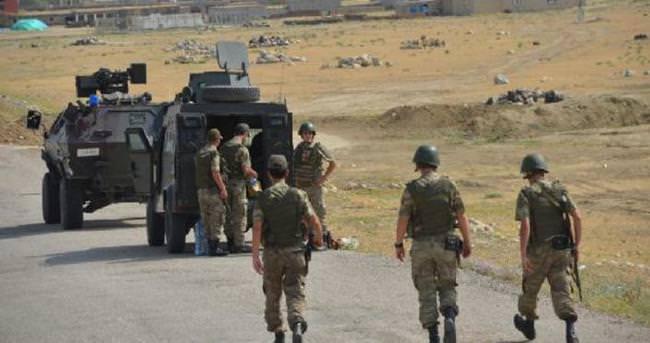 Ağrı Dağı eteklerinde PKK'lılarla çatışma