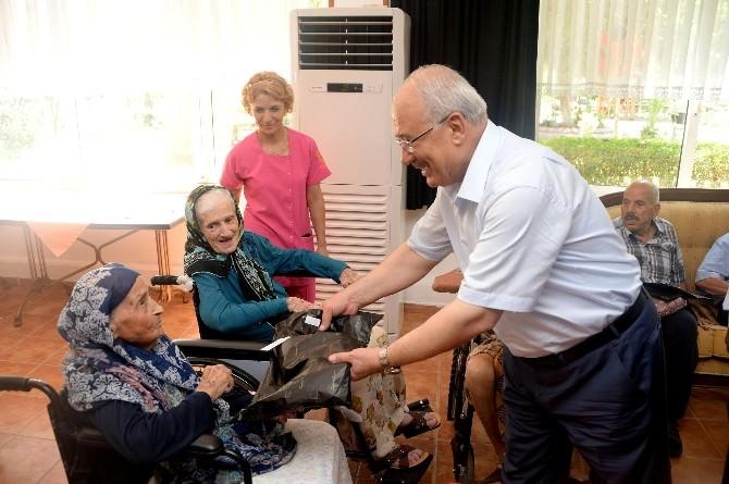 Başkan Kocamaz, Yaşlılar Ve Çocukların Bayramını Kutladı