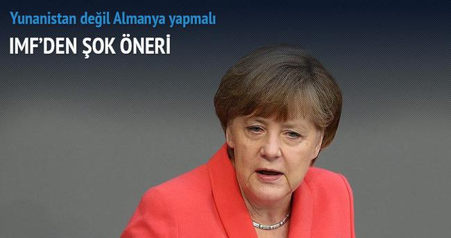 Eurodan Yunanistan değil Almanya çıksın!