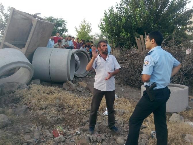 Şanlıurfa'da Üzerine Kanalizasyon Borusu Düşen Çocuk Hayatını Kaybetti