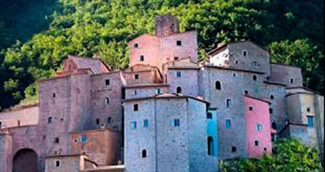 Makarnanın icat edildiği köy satılık