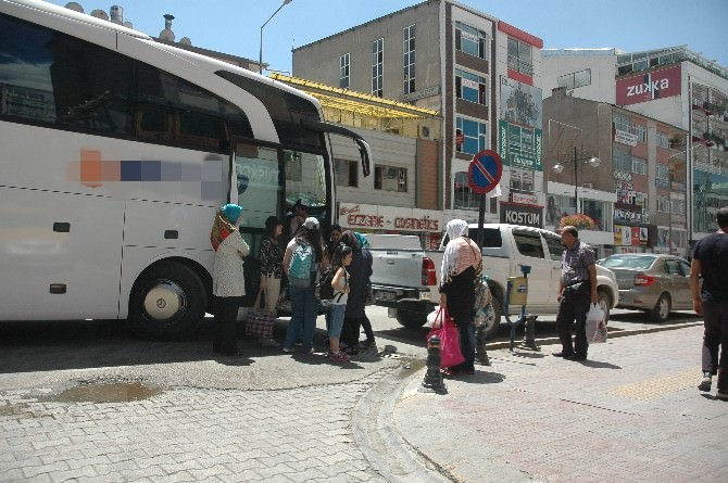 İranlılar Ülkelerine Dönüyor