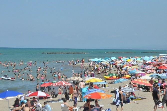 Karasu Sahilinde Bayram Tatili Yoğunluğu