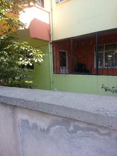 AK Parti İl Encümeni'nin Evine Molotoflu Saldırı