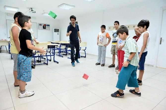 Muratpaşa'dan 400 Öğrenciye Eğitim
