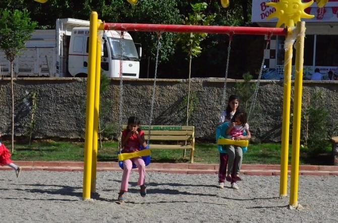 Sason'da Çocuklara Bayram Hediyesi