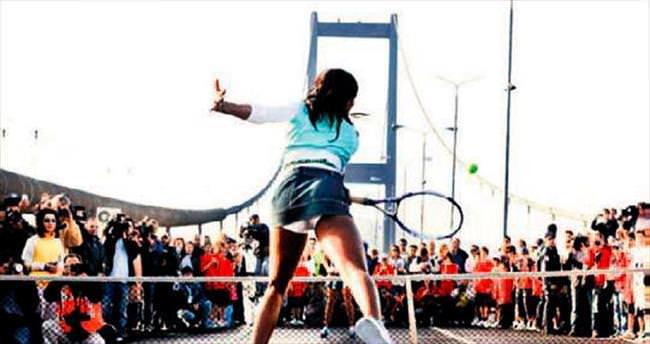 Venus Boğaziçi'nde tenis resitali sunuyor
