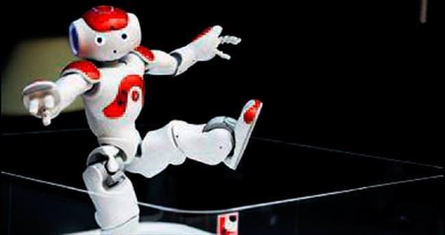 NAO robotlar kim olduklarını biliyor