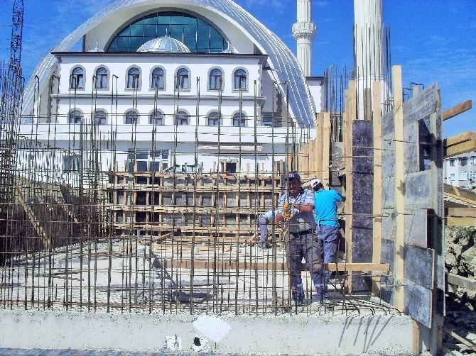 Körfez Belediyesi'nden İlimtepe Camisine Yeni Şadırvan
