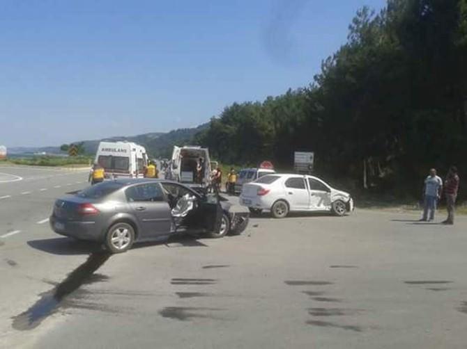 Yakakent'te Trafik Kazası: 7 Yaralı