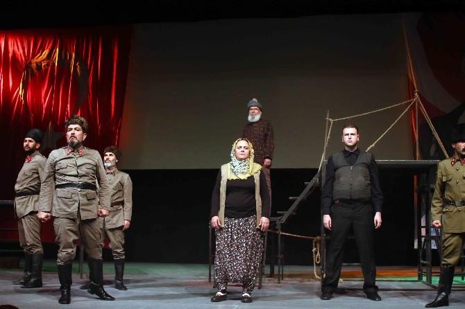 Bayraklı Belediyesi'nden Engelli Tiyatro Topluluğu