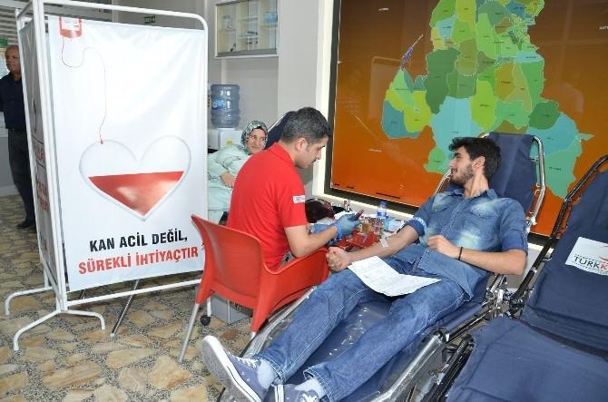 Yeşilyurt Belediye Personeli Kan Bağışında Bulundu