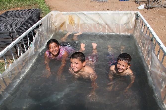 Kamyonet Kasası Havuzu Oldu
