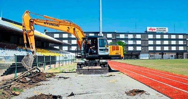 Alsancak Stadı'nda yıkım başladı
