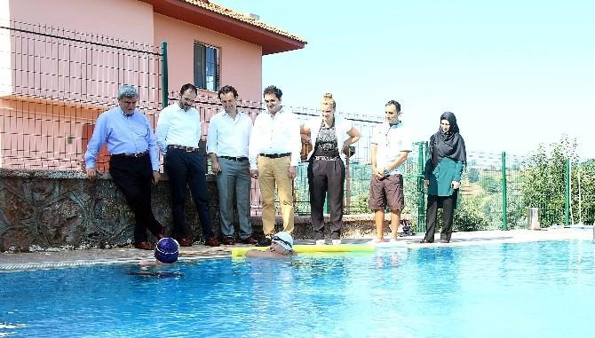 Başkan Karaosamoğlu Özel Eğitim Rehabilitasyon Merkezini Ziyaret Etti